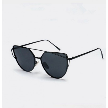 Sunglasses with Cat's Eye Design for Women